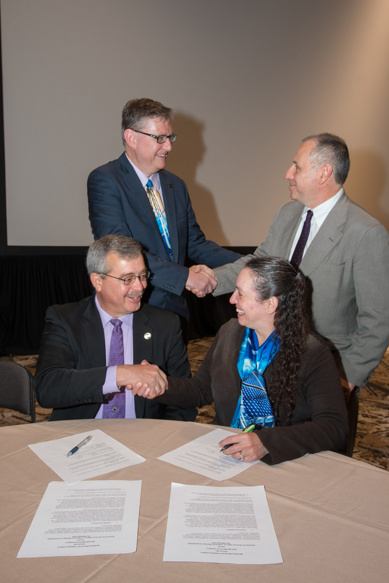 IEEE PES/DOE MOU Document Signing